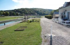 Canal de Bourgogne à proximité de Brianny